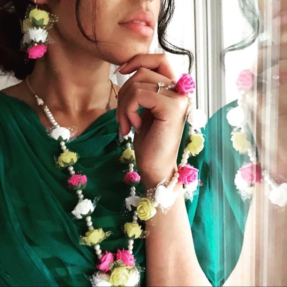 Jewelry - Indian bridal mehndi flower jewelry set